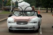Прикрепленное изображение: weird_cars_parade_02.jpg